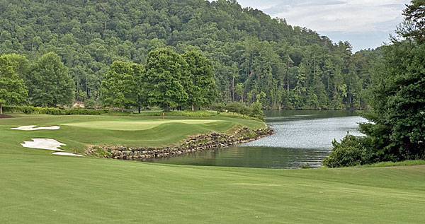 Cliffs at Keowee Vineyards 4th hole