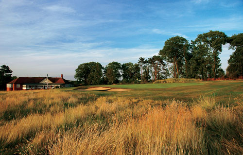 18th green and clubhouse - Steve Carr/Gold Flag Golf Ltd