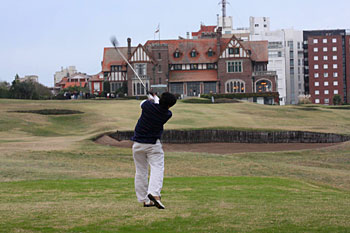 Our reporter plays his final approach at Mar del Plata (Playa Grande)