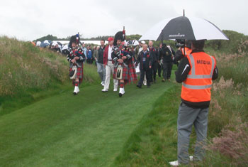 Pipers lead the way to the 1st at Trump International Golf Links