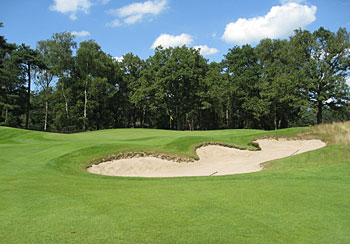 Utrecht de Pan - 7th green and controversial bunkering