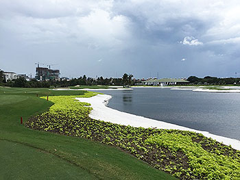 Damai Indah (Pantai Indah Kapuk) Golf Course - Photo by reviewer