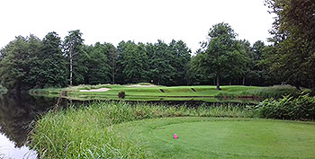 Les Bordes Golf Course - Photo by reviewer