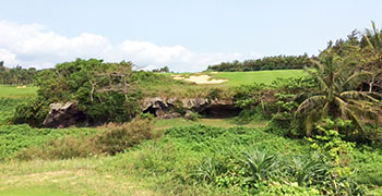 Shanqin Bay Golf Course - Hole 9 - Photo by reviewer