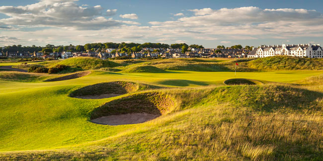 Allan Robertson laid out a 10-hole course at Carnoustie in 1842