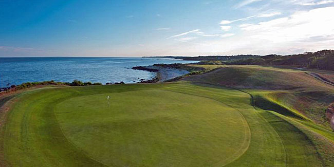 In the 1920s Seth Raynor laid out Fishers Island in a links-like style